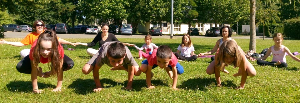 Yoga parents-enfants et randonnée à Poigny-la-Forêt